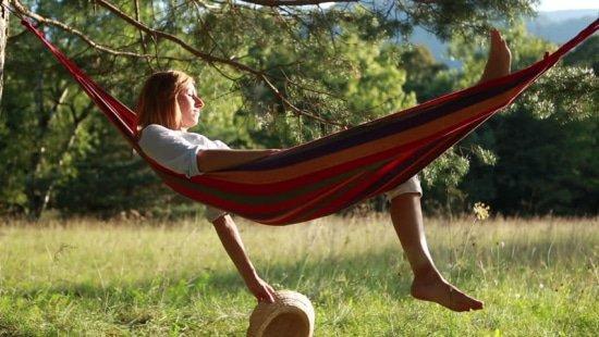 Pubers nemen meer rust in een hangmat