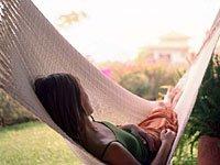 powernap of siesta in hangmat
